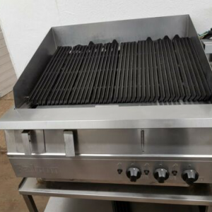 FALCON DOMINATOR 900 GAS CHARGRILL ON STAND